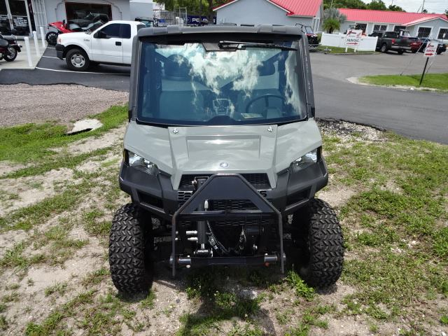 Image: Front-facing View of a Polaris UTV